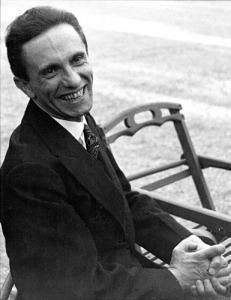 Goebbels_laughing