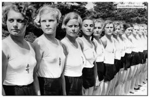 Rape-German-women-world-war-two-soviet-Russian-soldiers-1945-003